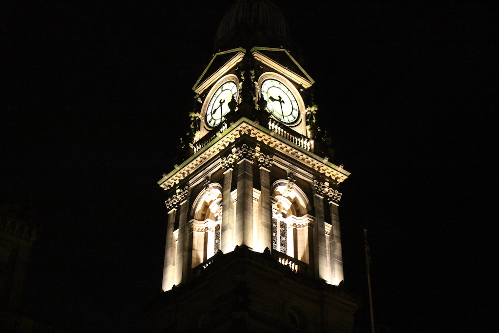 bolton-town-hall-at-night